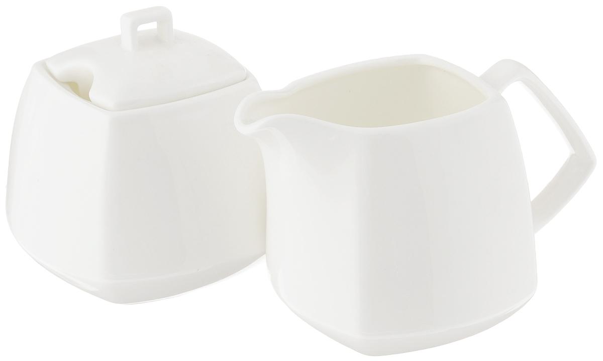 Набор Wilmax: сахарница, молочникWL-995028 / 2CНабор Wilmax, состоящий из сахарницы с крышкой и молочника, выполнен из высококачественного фарфора. Изделия, декорированные красочным изображением цветов, имеют изысканный внешний вид. Такой набор прекрасно подойдет для сервировки стола и станет незаменимым атрибутом чаепития. Изделия можно мыть в посудомоечной машине и использовать в микроволновой печи. Объем молочника: 310 мл. Объем сахарницы: 340 мл.