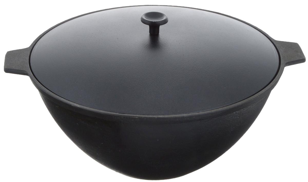 Котел чугунный Добрыня, с крышкой, 4 л. DO-3334DO-3334Котел Добрыня изготовлен из натурального, экологически безопасного чугуна. Чугун является одним из лучших материалов для производства посуды. Он очень практичный, не выделяет токсичных веществ, обладает высокой теплоемкостью и способен служить долгие годы. Чугунная посуда очень прочная и обладает превосходными природными антипригарными свойствами. Она не боится механических повреждений, царапин или высоких температур, однако тяжелее обычных и не очень любит длительный контакт с водой. Такой котел замечательно подойдет для приготовления блюд на костре. Снабжен алюминиевой крышкой. Чугунная посуда была популярна сотни лет и до сих пор остается такой. Свое качество и уникальные свойства она подтверждает в деле. Котел подходит для всех типов плит, включая индукционные, а также для приготовления пищи на костре. Рекомендуется мыть вручную. Высота стенки: 12,5 см. Объем котла: 4 л. Диаметр котла (по верхнему краю): 26 см.