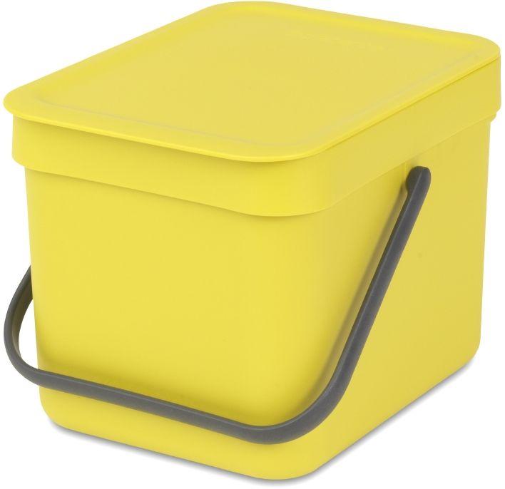 Ведро для мусора Brabantia Sort & Go, цвет: желтый, 6 л109683Ведро вместимостью 6 литров с фиксируемой в открытом положении крышкой превосходно подходит для сбора органических отходов непосредственно на кухонном столе.. Идеальное решение для сбора компостируемых отходов непосредственно на кухонном столе; Может использоваться на кухонном столе или крепиться к стене – в комплект входит настенный держатель; Имеются идеально подходящие по размеру биоразлагаемые мешки для компостируемых отходов (размер S) – удобно устанавливаются в ведро; Гарантия 10 лет.