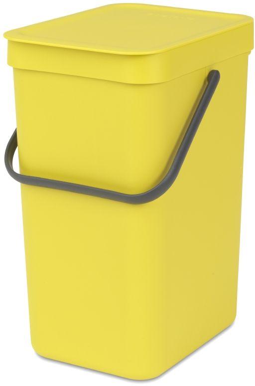 Ведро для мусора Brabantia Sort & Go, цвет: желтый, 12 л109768Эти 12-литровые ведра можно использовать для раздельного сбора любых домашних отходов, например, бутылок, банок или пластиковой упаковки. Большая ручка и удобный захват снизу позволяют удобно освободить ведро от мусора. Идеальное решение для раздельного сбора домашних отходов. Может использоваться на полу или крепиться к стене – в комплект входит настенный держатель; Имеются идеально подходящие по размеру мешки Brabantia PerfectFit с завязками (размер C) – удобно устанавливаются в ведро; Имеются идеально подходящие по размеру биоразлагаемые мешки для компостируемых отходов (размер С) – удобно устанавливаются в ведро; Гарантия 10 лет.