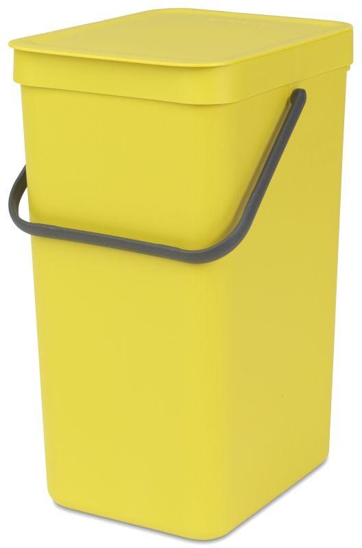 Ведро для мусора Brabantia Sort & Go, цвет: желтый, 16 л109867Эти 16-литровые ведра можно использовать для раздельного сбора любых домашних отходов, например, бутылок, банок или пластиковой упаковки. Большая ручка и удобный захват снизу позволяют удобно освободить ведро от мусора. Идеальное решение для раздельного сбора домашних отходов. Может использоваться на полу или крепиться к стене – в комплект входит настенный держатель; Имеются идеально подходящие по размеру мешки Brabantia PerfectFit с завязками (размер D) – удобно устанавливаются в ведро; Гарантия 10 лет