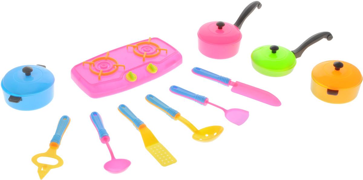 Shantou Игрушечный набор Кухня цвет плиты розовыйN415-H38120Игрушечный набор Shantou Кухня предлагает ребенку ощутить себя хозяином на кухне. Все элементы выполнены из пластика и напоминают настоящую посуду. Кастрюлю, шумовку, сковороду - все предметы можно использовать для приготовления пищи и подачи угощения на стол. Можно чередовать использование предметов для создания сложных блюд. С таким набором ребенок поймет, что готовка - интересное занятие, которое, в то же время, требует определенных навыков.