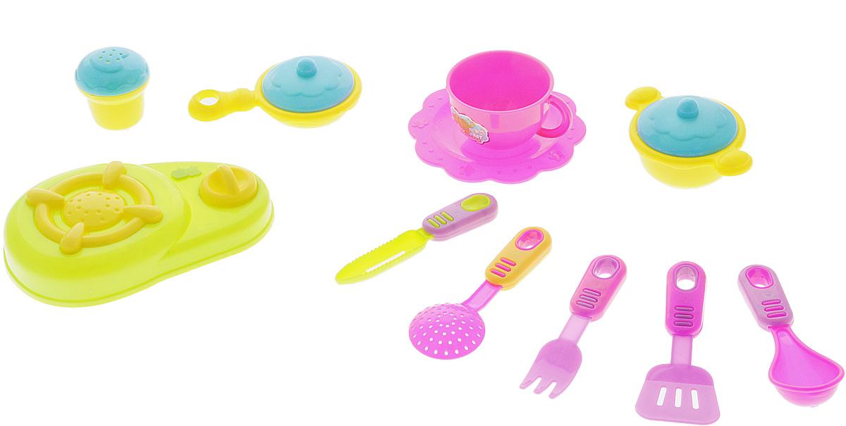 Shantou Игрушечный набор Кухня цвет плиты салатовыйT740-H38024Игрушечный набор Shantou Кухня просто незаменим в кукольном домике. Яркий и современный дизайн посуды делает ее привлекательной и стильной. Посуда будет прекрасно смотреться на кукольной кухне и будет незаменима во время приготовления еды для кукол. Все элементы набора выполнены из качественных и безопасных материалов. Игрушечный набор развивает фантазию, расширяет кругозор ребенка и помогает развить хозяйственные навыки.