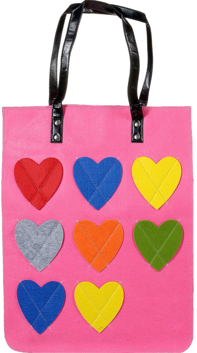 Сумка женская Kawaii Factory Сердца, цвет: розовый. KW106-000042KW106-000042Веселая, яркая и уютная - все это про оригинальную сумку Сердца от Kawaii Factory. Она выполнена из мягкого войлока и словно создана для русской зимы. Сумка соединяет в себе простоту исполнения, стильное оформление и большое внутреннее пространство, состоящее из основного отделения на застежках-магнитах, двух накладных кармашков для мелочей и внутреннего кармана на застежке-молнии. Экстравагантная сумка будет прекрасно гармонировать с повседневным нарядом. Разукрасьте городские серые будни, смело приковывая взгляды окружающих!
