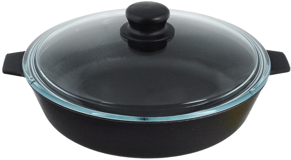 Сковорода чугунная Добрыня с крышкой. Диаметр 26 см. DO-3303DO-3303Сковорода Добрыня изготовлена из натурального, экологически безопасного чугуна. Чугун является одним из лучших материалов для производства посуды. Он очень практичный, не выделяет токсичных веществ, обладает высокой теплоемкостью и способен служить долгие годы. Чугунные сковороды очень прочные и при этом обладают превосходными природными антипригарными свойствами. Они не боятся механических повреждений, царапин или высоких температур, однако тяжелее обычных и не очень любят длительный контакт с водой. Такая сковорода замечательно подойдет для приготовления жареных и тушеных блюд. Имеет две короткие ручки, снабжена крышкой из термостойкого, экологически чистого стекла. Чугунные сковороды были популярными сотни лет и до сих пор остаются такими. Свое качество и уникальные свойства они подтверждают в деле. Сковорода подходит для всех типов плит, включая индукционные. Сковороду мыть только вручную. Крышку можно мыть в посудомоечной машине....