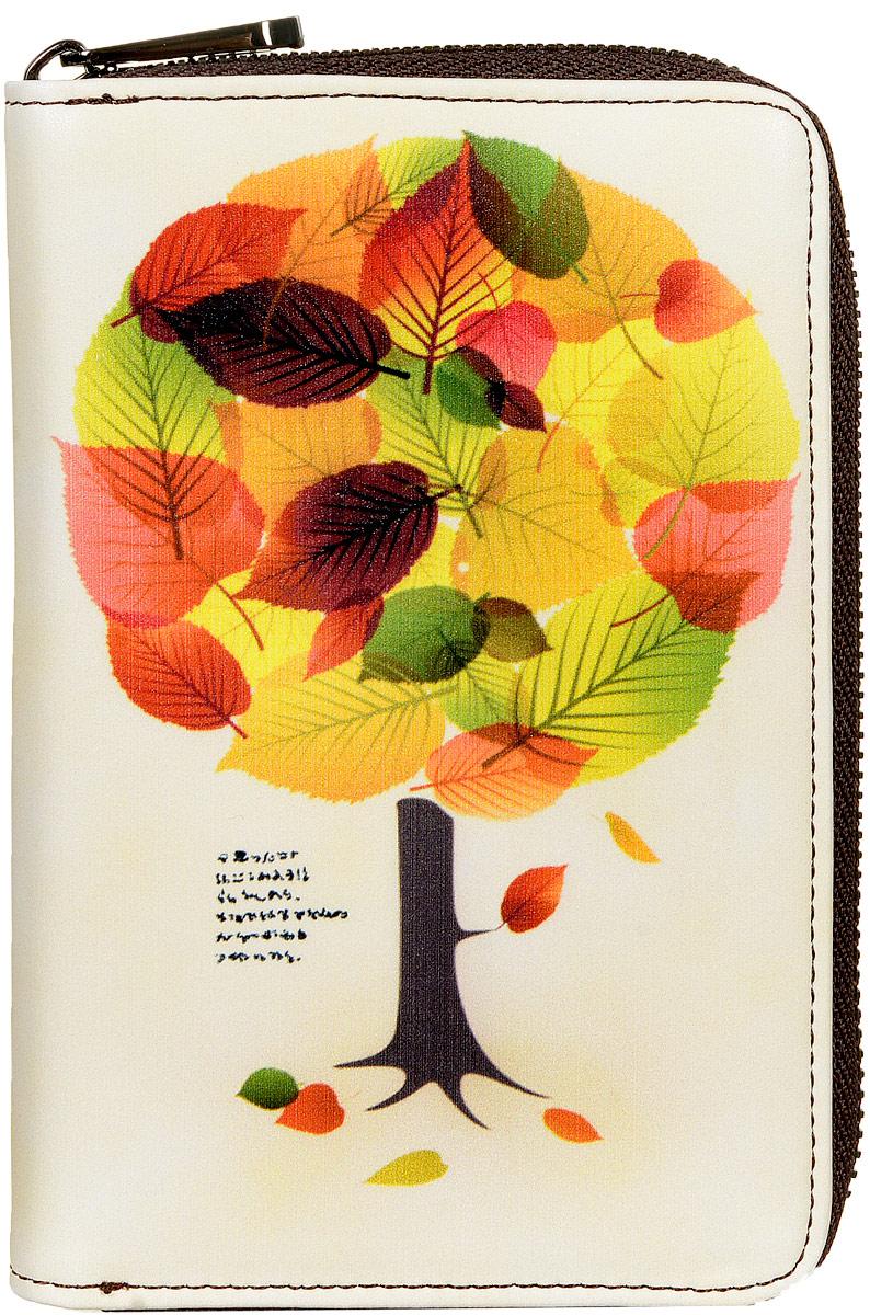 Кошелек женский Kawaii Factory Дерево, цвет: бежевый. KW057-000530KW057-000530Компактный кошелек Дерево от Kawaii Factory выполнен из натуральной кожи и оформлен ярким принтом с изображением осеннего дерева. Изделие имеет два разворота и закрывается на застежку-молнию. Внутри кошелек состоит из одного отделения для купюр, шести карманов для визиток, двух кармашков для чеков и мелких бумаг, двух карманов с окошком из прозрачного пластика и отделения для мелочи, закрывающегося клапаном на кнопку. Кошелек Дерево от Kawaii Factory компактный, вместительный и удобный. Он отлично смотрится с любым образом и определенно подойдет молодым девушкам, которые любят яркие и оригинальные аксессуары.