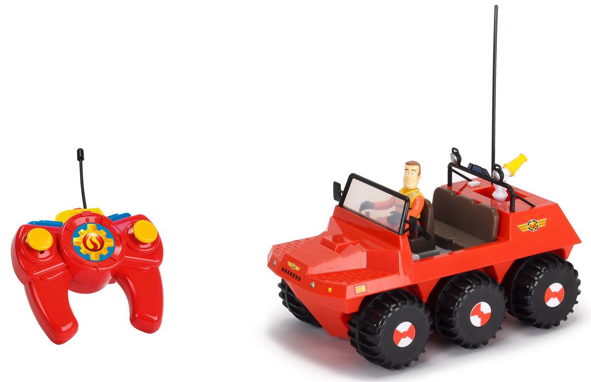 Dickie Toys Вездеход на радиоуправлении Hydrus3099620Вездеход на радиоуправлении Dickie Toys Hydrus из популярного мультфильма Пожарный Сэм обязательно порадует вашего ребенка и подарит ему множество веселых игр и положительных эмоций. Выполненная из высококачественного безопасного пластика игрушка отличается большим размером и оснащена действующим водометом. Ребенок сможет залить в специально предназначенный отсек настоящую воду и тушить воображаемые пожары. Машинка управляется при помощи пульта дистанционного управления (в комплекте). Игрушка может двигаться вперед, назад, вправо, влево, останавливаться. Радиоуправляемые игрушки развивают у ребенка мелкую моторику, логику, координацию движений и пространственное мышление. Порадуйте своего малыша таким замечательным подарком! Для работы игрушки необходимы 3 батарейки типа АА напряжением 1,5V (не входят в комплект). Для работы пульта управления необходимы 2 батарейки типа ААА напряжением 1,5V (не входят в комплект).