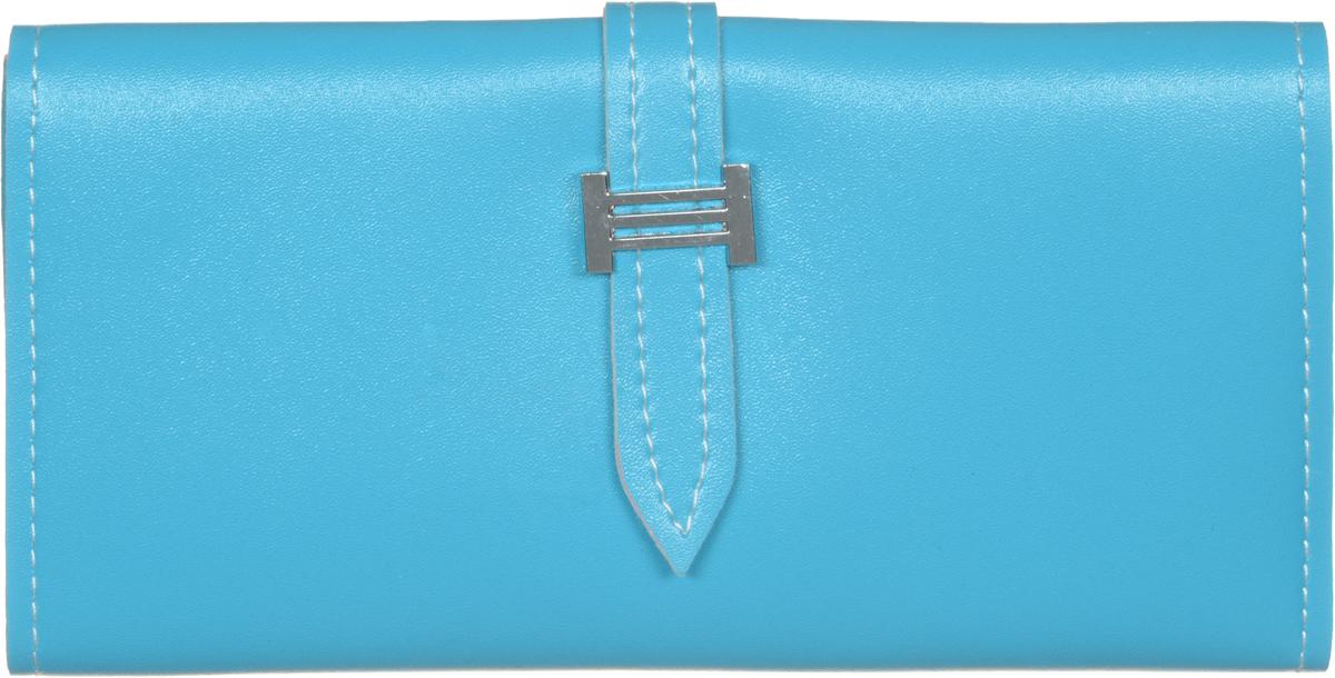 Кошелек женский Kawaii Factory Favorite, цвет: голубой. KW057-000513KW057-000513Классический полнокупюрный кошелек Favorite от Kawaii Factory прекрасно впишется в любой стиль. Внутри он состоит из 2 отделений для купюр, 4 прорезных кармашков для карточек и визиток, кармашка для фото и отделения для мелочи на застежке-молнии. Изделие оформлено контрастной отделочной строчкой и закрывается на хлястик с фиксатором. Женский кошелек Favorite отличается эргономичным дизайном и универсальностью. Если вам нравится сдержанность стиля и лаконичность в деталях, такой аксессуар обязательно должен быть в списке ваших вещей.