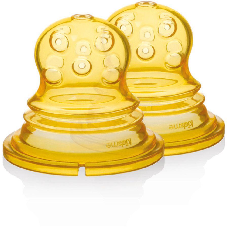 Kidsme Насадка сменная для ниблера с круглыми отверстиями 2 шт160364С помощью сменных силиконовых насадок для Фуд Сквизера Вы сможете начать вводить прикорм различной консистенции, открывая малышу гастрономическое разнообразие продуктов. 160364 Для полужидких продуктов (круглые отверстия, оранжевая), например, для творога с фруктами, рисовой каши; КАК ИСПОЛЬЗОВАТЬ: 1. Выберите подходящую для консистенции пищи (жидкой или полужидкой) силиконовую насадку. 2. Вставьте силиконовую насадку в Фуд Сквизер; 3. Выровняйте ее, чтобы она плотно вошла в пазы, закройте замок-клипсу. 3. Положите пищу в силиконовый контейнер-ручку Фуд Сквизера 4. Разомните еду до состояния пюре. Если консистенция пищи слишком твердая и не просачивается через отверстия, то ее можно разбавить водой, грудным молоком или детским питанием. 5. Проверьте температуру пищи перед кормлением. 6. Передайте Фуд Сквизер в ручки малышу. Специально сконструированный мягкий сил иконовый контейнер-ручка Фуд Сквизера позволяет малышу тренировать мышцы, сжимая...