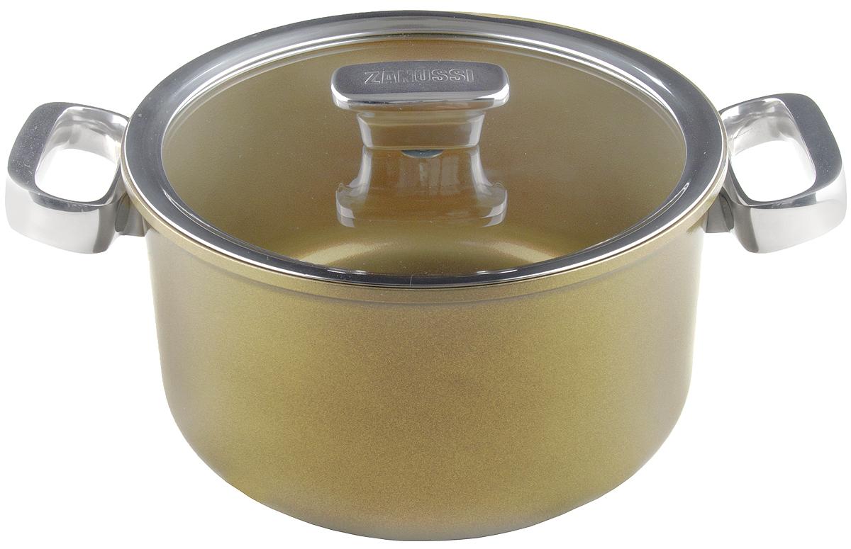 Кастрюля 5,6 л (24см) Capri ZANUSSIZCA41231DFКастрюля подходит для всех типов плит, включая индукционные. Изготовлена из алюминия с внешним покрытием цвета золотистое шампанское. Многослойное дно. Внутреннее 2-х керамическое покрытие Greblon® не содержит вредные кислоты PTFE и PFOA. Ручки выполнены из нержавеющей стали, крышка с вентиляционным отверстием, изготовлена из термостойкого качественного стекла, что позволяет просматривать процесс приготовления пищи без потери тепла. Кастрюля подходит для приготовления блюд в духовке. Можно мыть в посудомоечной машине. Высота борта: 13 см.