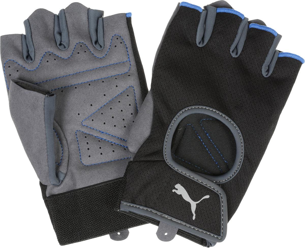 Перчатки для фитнеса Puma Training Gloves, цвет: черный, серый. 04115801. Размер L (27)04115801_черный, серый_L (27)Мягкая замша и подложка на ладони и большом пальце перчаток для тренажерного зала обеспечивают комфорт, износостойкость и надежность хвата, эластичная ткань из полиэстера/эластана на тыльной стороне – идеальную посадку по руке, вырез на тыльной стороне способствует вентиляции, эластичные петли на двух пальцах и застежка на «липучке» упрощают процесс надевания и снятия перчатки, а сплошная подкладка из мягкого эластичного материала вокруг запястья дополнительно фиксирует его. Также перчатки имеют контрастную строчку и серебристый светоотражающий логотип Puma на тыльной стороне.