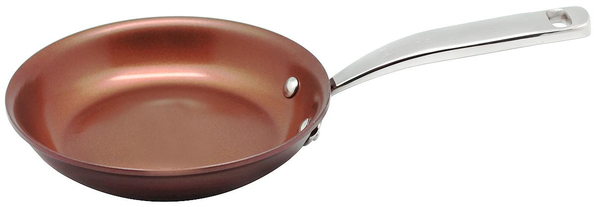 Сковорода 20см Siena ZANUSSIZCF33231CFСковорода подходит для всех типов плит, включая индукционные. Изготовлена из алюминия с внешним покрытием цвета красный перец. Многослойное дно. Ручка выполнена из нержавеющей стали, внутреннее 2-х керамическое покрытие Greblon® не содержит вредные кислоты PTFE и PFOA. Сковорода подходит для приготовления блюд в духовке. Можно мыть в посудомоечной машине. Высота борта: 4 см.