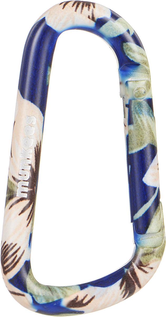 Карабин Munkees Голубой цветок, толщина 6 мм, длина 60 мм3323Карабин Munkees Голубой цветок предназначен не для скалолазания и альпинизма. Он рассчитан на существенно малые веса. Но он позволит упростить быт любого человека во всех случаях жизни. От элементарного подвешивания связки ключей на пояс, шлевку брюк/штанов, в рюкзак на место для крепления ключей или за любой кант кармана, до размещения подручных предметов, легкого снаряжения, одежды и аксессуаров (особенно перчаток и кепок) на рюкзак, сумку и тот же пояс. Выполнен карабин из прочного алюминия. Толщина карабина: 6 мм. Длина карабина: 6 см.