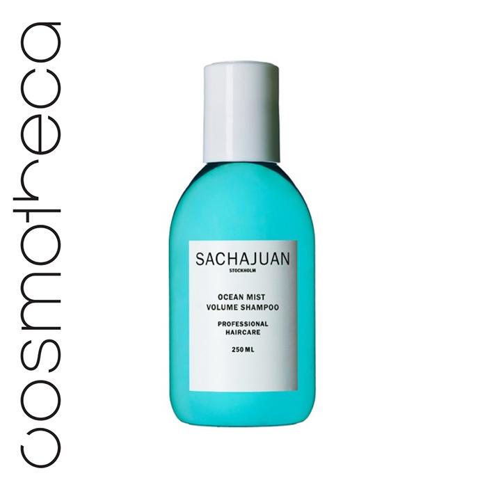 Sachajuan Шампунь для объема волос Ocean Mist 250 млSCHJ175Шампунь для объема Ocean Mist создает структуру и объем волос, а также укрепляет их снаружи и изнутри благодаря технологии Ocean Silk и натуральным протеинам растительного происхождения.