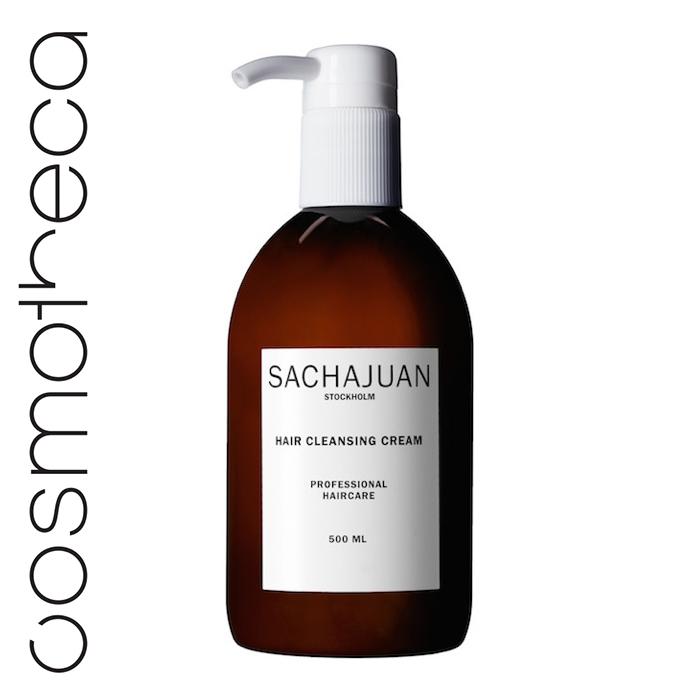 Sachajuan Очищающий крем для волос 500 млSCHJ177Очищающий крем для волос – это новая техника очищения волос, не похожая на традиционное мытье шампунем и оставляющая после себя другие ощущения. Крем не пенится, но делает волосы блестящими, увлажняет и делает их мягкими на ощупь с помощью специальной технологии, расщепляющий жир с помощью восков. Его состав идеально подходит для любого типа волос включая сухие, окрашенные, вьющиеся, поврежденные или подвергшиеся химическому воздействию волосы. Главный очищающий активный ингредиент получен из натуральных растительных масел. В состав средства также включена специальная модифицированная водоросль, полученная с помощью нашей разработки - Ocean Silk Technology. Также в состав средства входят молочные кислоты и касторовое масло. Крем имеет приятный цитрусовый аромат.