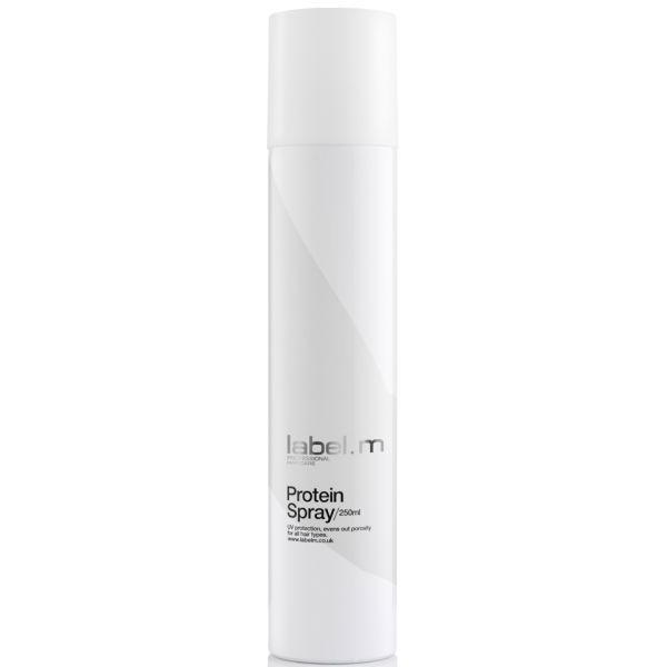 Label.m Спрей протеиновый, 250 млLCPS0250Увлажняющая комбинация из жасмина, ванили, душистого горошка, пшеницы и сои. Защищает волосы от теплового воздействия и от УФ лучей, выравнивает пористые волосы. Защищает цвет волос. Эксклюзивная разработка label.m, инновационный комплекс Enviroshield защищает волосы от термического воздействия во время укладки и от УФ лучей, а также придает искрящийся блеск.