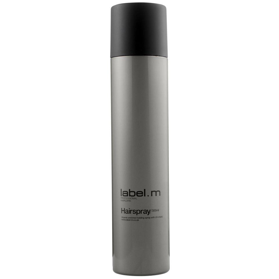 Label.m Лак для волос, 600 млLFHS0600Если вы хотите стойкую, идеально зафиксированную прическу, источающую ослепительный блеск, то Label M Hairspray исполнит ваше желание. Это укладочное средство для волос входит в профессиональную косметическую линию Label M, обеспечивая прекрасную фиксацию любой укладки, а также защищая ее от влаги. Входящие в состав косметического средства провитамины В5 и UV фильтры нового поколения позволяют надежно фиксировать прическу и контролировать ее долгое время, защищая волосы даже от разрушающего действия солнечных лучей. Средство не склеивает и не утяжеляет пряди, а также не делает их жесткими. Укладочное средство будет незаметно на волосах, к тому же, пожеланию, легко удаляется вычесыванием. Придавая невероятный блеск и сияние каждой пряди, средство от Лебел М предотвращает закручивание нежелательных локонов.