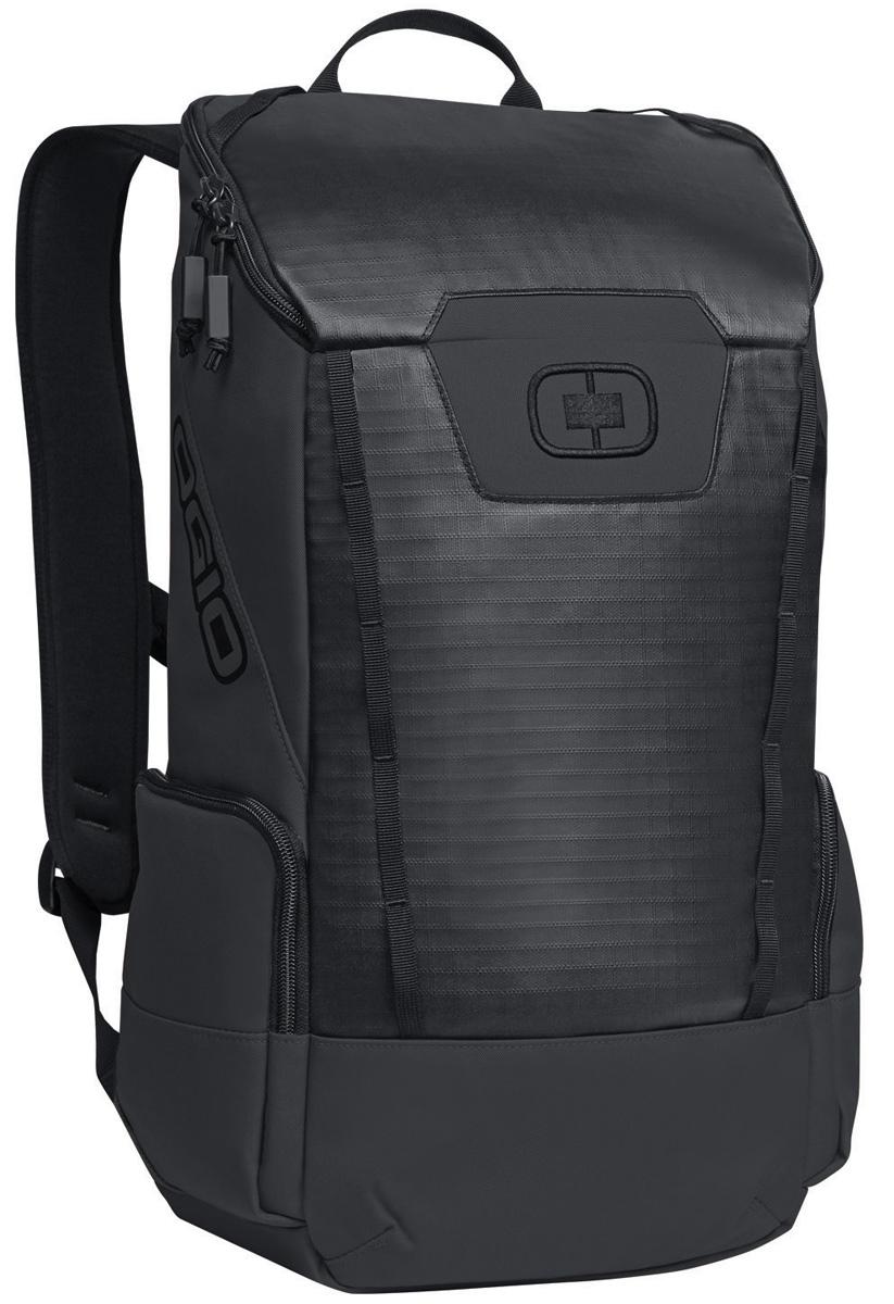 Рюкзак городской Ogio Clutch Pack, цвет: черный , 21 л123011-36OGIO – высокотехнологичный продукт от американского производителя. Вместимые сумки для путешествий, работы и отдыха, специальная коллекция городских сумок для женщин, жесткие боксы под мелкий инвентарь и многое другое.Легкий и вместительный рюкзак с приятным дизайном от OGIO. Ваш ноутбук надежно крепится в мягкий чехол, оставляя необходимое пространство для других вещей, снаружи предусмотрены боковые карманы, которые будут полезны для хранения фотоаппарата, зарядки или других полезных аксессуаров. Удобные регулируемые лямки с дополнительным нагрудным ремнем помогут равномерно распределить нагрузку.