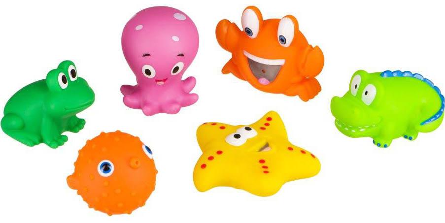 Happy Baby Набор игрушек для купания Water Fun32014Water Fun – набор игрушек для игры в ванной во время купания малыша! Water Fun превратит купание ребенка в интересную и познавательную игру с исследованием свойств предметов. Процесс игры развивает координацию движений, мелкую моторику, воображение. ОСОБЕННОСТИ: – использование в ванной комнате; – способствуют развитию ребенка. РАЗВИВАЕТ: – познавательный интерес; – представления о весе и объеме; – представления о свойствах предметов; – мелкую моторику Уход: Вымыть перед первым использованием. Рекомендуется вымыть водой с мылом, тщательно ополоснуть. Не использовать для очистки едкие моющие вещества. Сушить при комнатной температуре. Внимание! Использовать на мелководье только под присмотром взрослых. Не оставляйте своего ребенка без присмотра в воде.