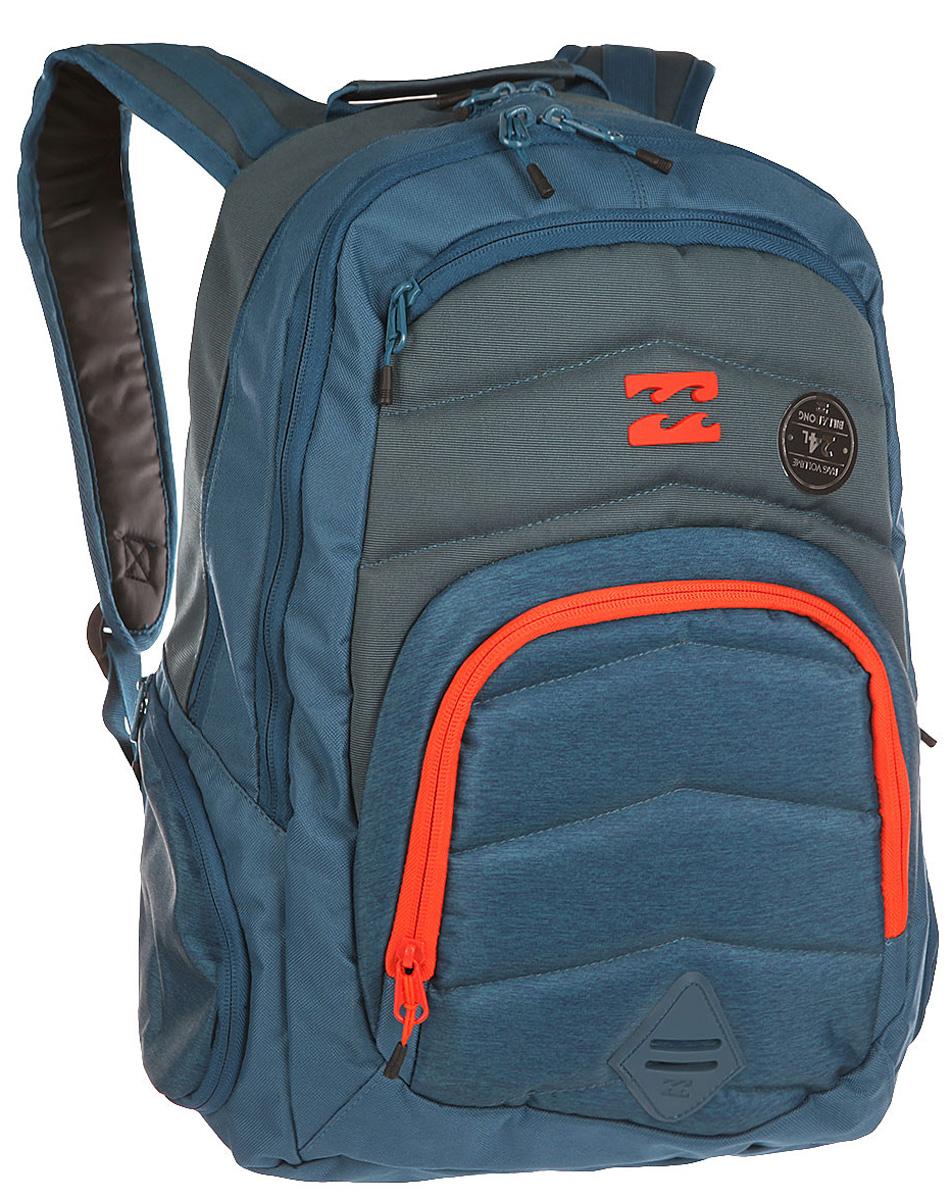 Рюкзак городской Billabong Relay Backpack, цвет: синий, серый , 24 лU5BP04Отличный городской рюкзак с двумя вместительными отделениями и спокойным дизайном, не перегруженным лишними деталями. Небольшой внешний карман на молнии с внутренними отсеками поможет правильно организовать необходимые мелочи, а в боковые карманы с легкостью поместиться, например, бутылка воды.