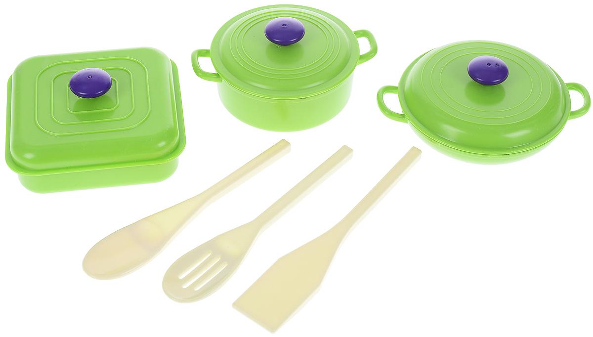 ABtoys Игрушечный набор посуды 6 предметовPT-00401Игрушечный набор посуды ABtoys просто незаменим в кукольном домике. Яркий и современный дизайн посуды делает ее привлекательной и стильной. В набор входят три кастрюльки с крышками и три кухонных прибора. Посуда будет прекрасно смотреться на кукольной кухне и будет незаменима во время приготовления еды для кукол. Все элементы набора выполнены из качественных и безопасных материалов. Игровые наборы из серии Помогаю Маме развивают фантазию, расширяют кругозор ребенка и помогают развить хозяйственные навыки.