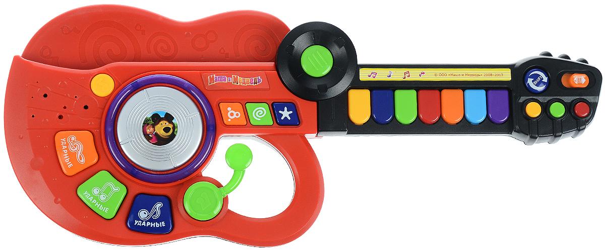 Играем вместе Электрогитара-синтезатор Маша и Медведь цвет красный черныйBB778-R2_красный, черныйЭлектрогитара-синтезатор Играем вместе Маша и Медведь непременно понравится вашему ребенку и не позволит ему скучать. Игрушка выполнена из прочного и безопасного пластика. Гитара снабжена текстильным ремнем для более удобной игры. Электрогитара-синтезатор Играем вместе Маша и Медведь обладает световыми эффектами, содержит 7 песенок из мультфильма. Электрогитара может превращаться в синтезатор. Музыкальный инструмент поможет ребенку развить слух, зрение, моторику и воображение, артистизм и творческое мышление. С такой игрушкой ваш ребенок порадует вас замечательным концертом! Необходимо купить 3 батарейки напряжением 1,5V типа АА (не входят в комплект).