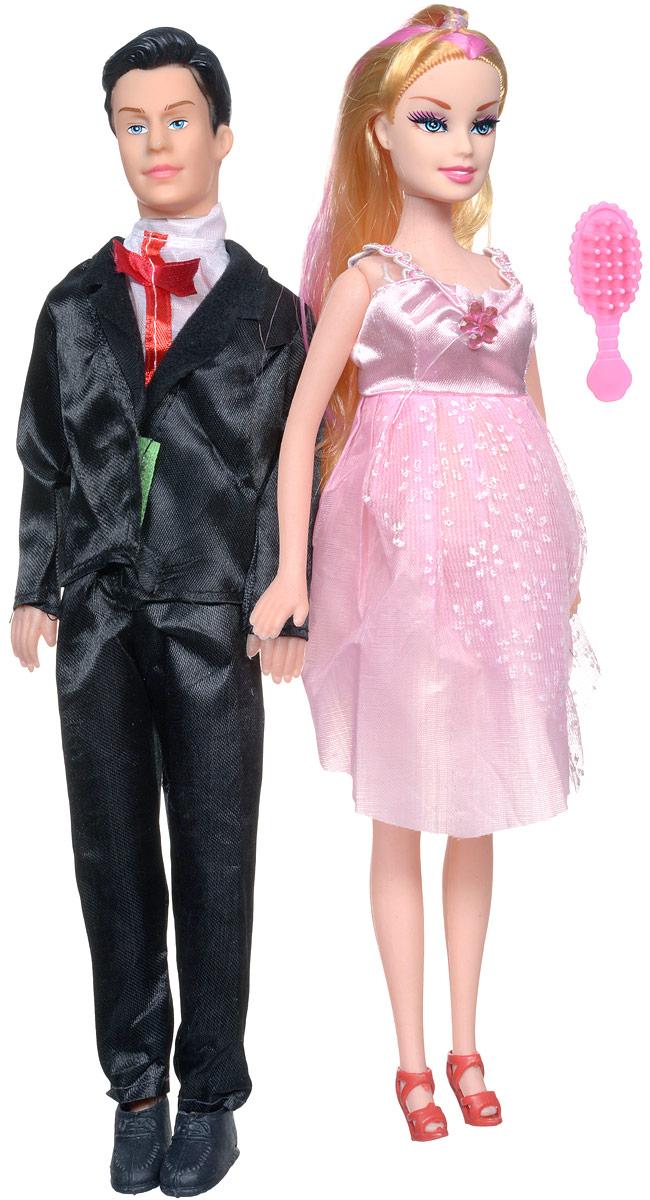 Shantou Набор кукол цвет одежды черный розовый 2 штJ114-H43081_розовыйНабор кукол Shantou поможет вашей малышке окунуться в волшебный семейный мир. В набор входят две куклы, выполненные в виде беременной девушки и ее жениха. Девушка одета в розовое платье, жених - в черных костюм. Накладной животик куклы можно снять и появится кукла-малыш. В комплект также входит расческа, чтобы расчесывать длинные светлые волосы куклы. Ваша малышка с удовольствием будет играть с этим набором, придумывая различные истории.