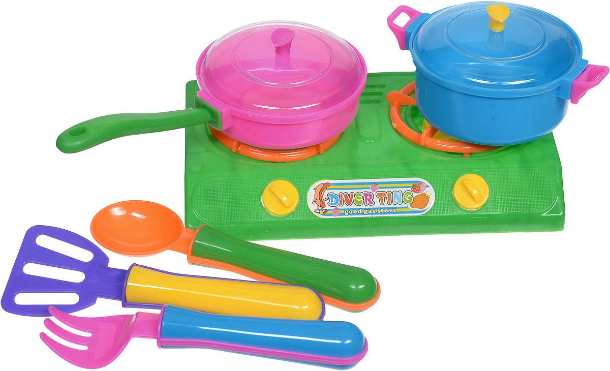 Shantou Игрушечный кухонный набор цвет плиты зеленыйT656-H38022Игрушечный кухонный набор Shantou состоит из пластиковых кухонных приборов и включает в себя плитку с двумя конфорками, кастрюлю и сковородку с прозрачными крышками, а также 3 столовых прибора. Используя данный комплект, девочка может выступать в роли мамы или домашнего повара в сюжетно-ролевых играх, которые содействуют развитию коммуникабельных способностей.