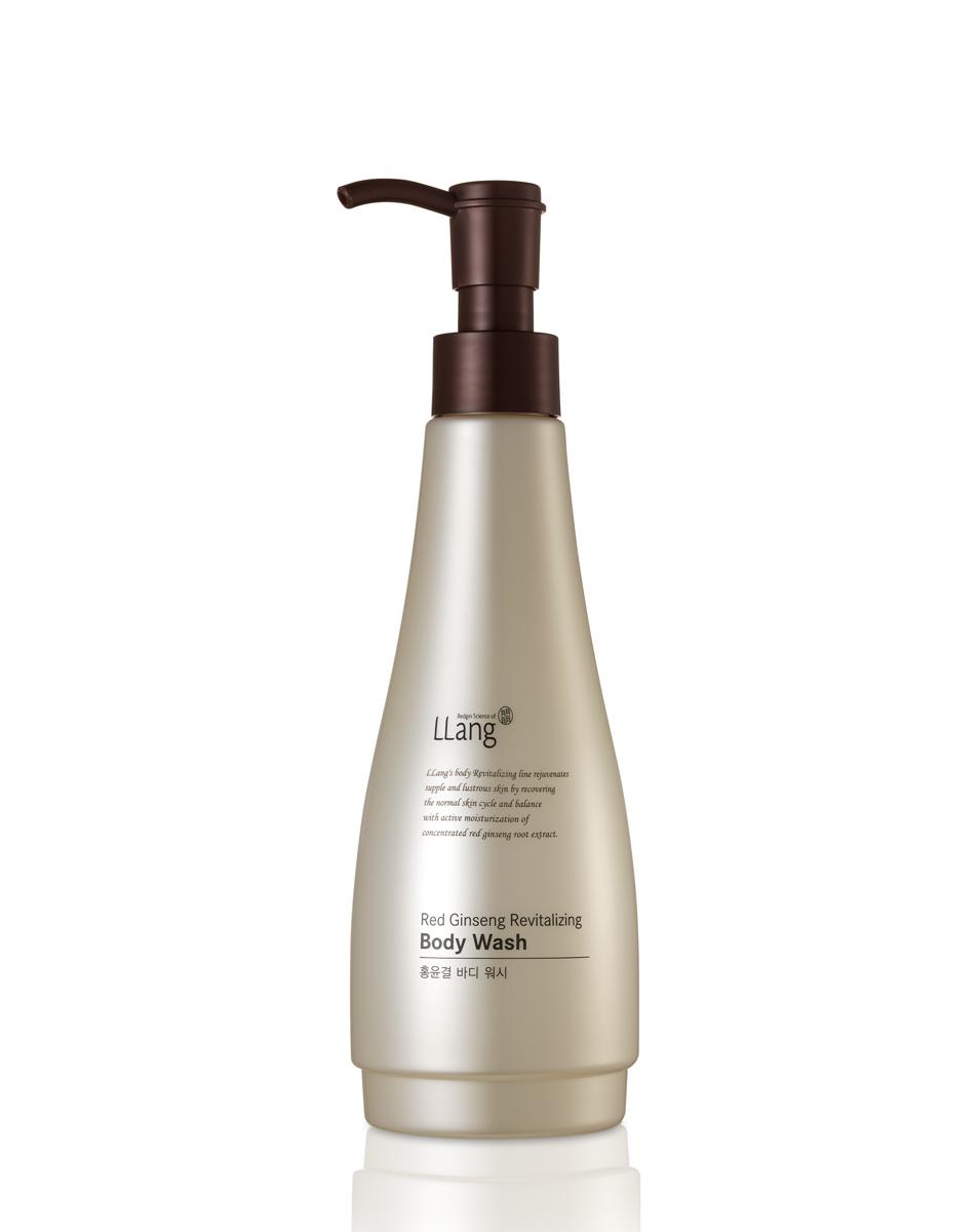 Llang Гель для душа восстанавливающий с красным женьшенем, 285 мл.PD000937A1Восстанавливающий гель для душа с высокой концентрацией масла красного женьшеня эффективно смягчает и увлажняет кожу, делая ее нежной и гладкой после применения. Гель мягко очищает кожу, удаляя загрязнения и излишки жира. Укрепляет естественный защитный барьер дермы.