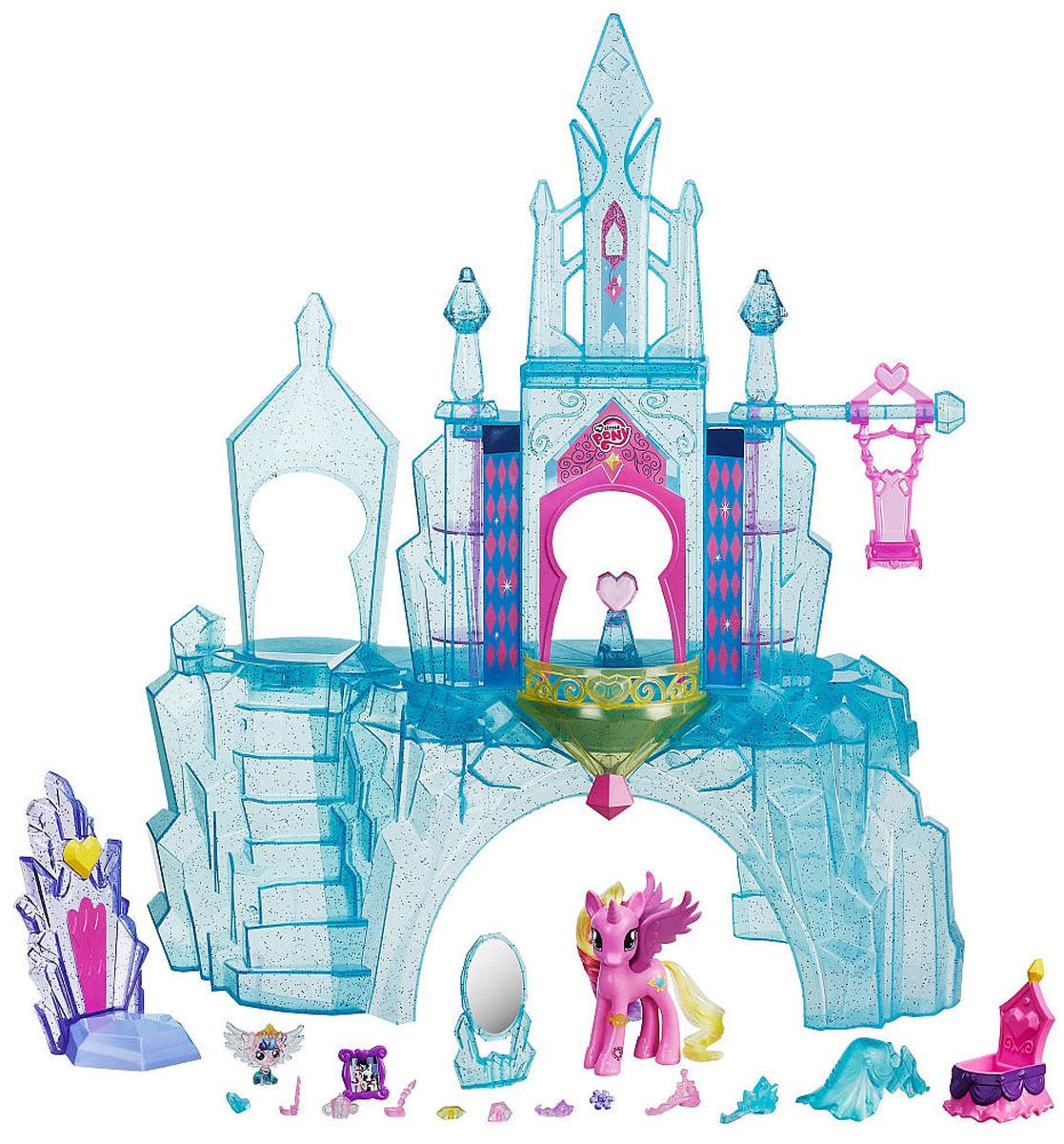 My Little Pony Игровой набор Кристальный замокB5255EU4Игровой набор My Little Pony Кристальный замок порадует абсолютно любую девочку. Милый пони нуждается в красивом доме, в данном случае ему представлен целый замок. Шикарный замок, словно взятый из сказки, идеально подходит для прекрасного пони. Встав на балконе замка, для пони открывается прекрасный вид. Но самое интересное в этом замке - это трон для пони. На таком шикарном троне хозяин замка сможет проводить практически все свое время. В наборе также имеется множество различных аксессуаров, необходимых для пони и замка. Замок оснащен световыми эффектами. С таким набором ваша девочка никогда не заскучает. Отсканируйте специальный код своим мобильным устройством, и откройте новые функции в игровом мобильном приложении My Little Pony. Необходимо купить 3 батарейки напряжением 1,5V типа AАА (не входят в комплект).