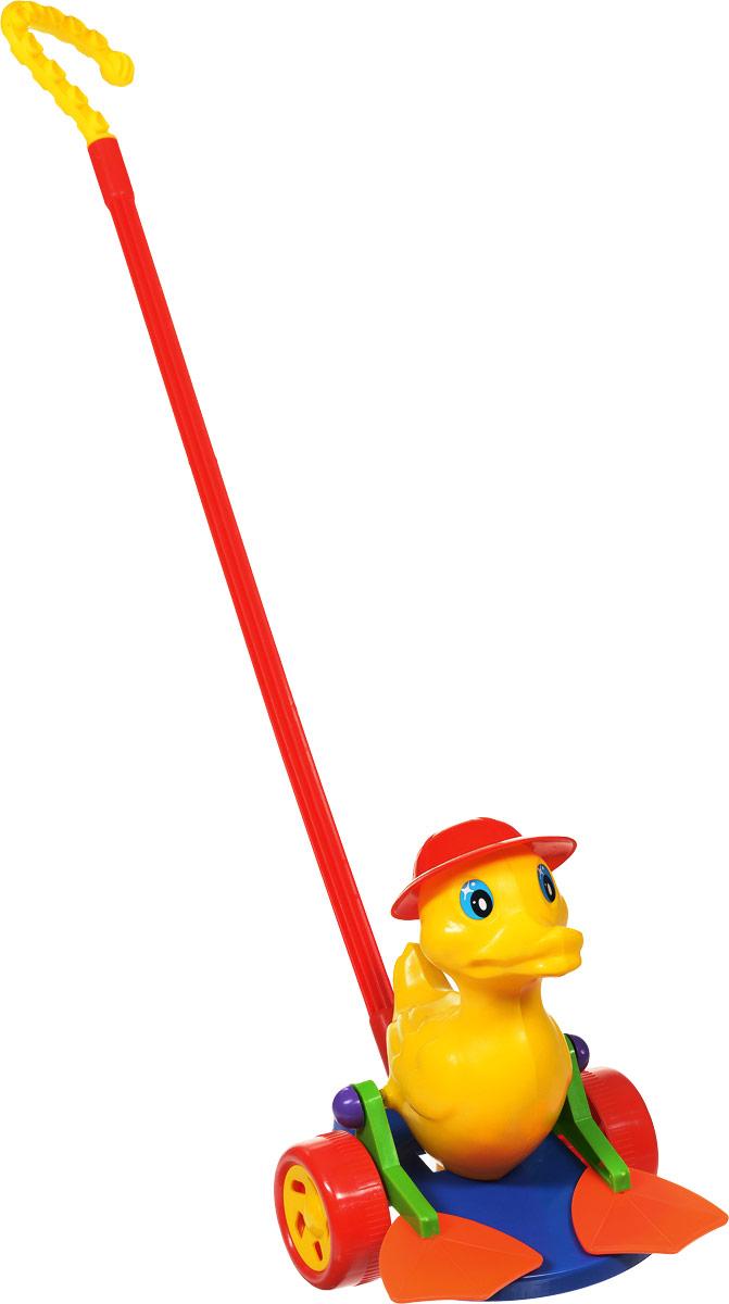 Wieslaw Suchanek Игрушка-каталка Утенок Оскар цвет красный синий желтыйП-0398_синий, желтыйЗабавная игрушка-каталка Wieslaw Suchanek Утенок Оскар станет любимой игрушкой вашего малыша. Каталка представляет собой утенка в шляпе, сидящего на пластиковом основании с колесами, к которому крепится ручка-держатель. При вращении колес утенок шевелит лапками. Порадуйте своего ребенка таким замечательным подарком!