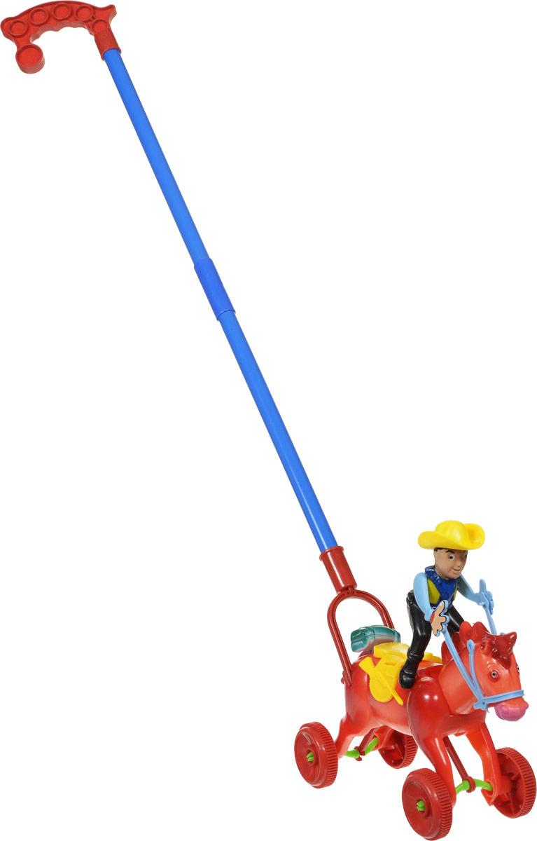Ami&Co Игрушка-каталка Всадник цвет красный синий44428_красно-оранжевыйЗабавная игрушка-каталка Ami&Co Всадник станет любимой игрушкой вашего малыша. Каталка выполнена в виде ковбоя на лошади. При движении игрушки всадник, голова и хвост лошади, а также сумка всадника двигаются с щелкающим звуком. Детская каталка предназначена для малышей, которые уже начали ходить самостоятельно. Яркие, забавные образы принесут радость и веселье во время игр. Игрушка поможет развить координацию движения, тактильные навыки и мелкую моторику рук ребенка, а издаваемые ею звуки активно стимулируют его слух. Порадуйте своего ребенка таким замечательным подарком!