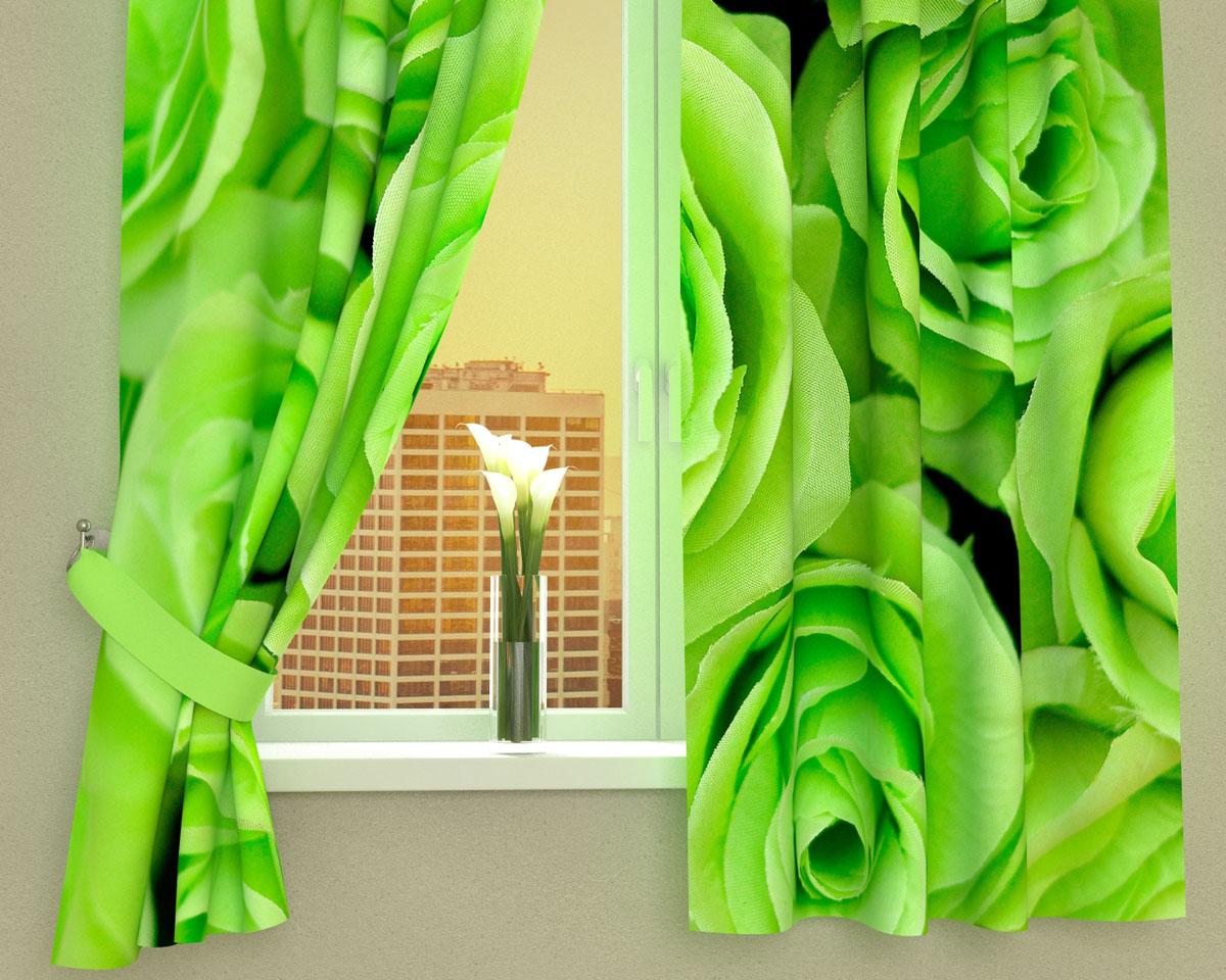 Комплект фотоштор Сирень Зеленые розы, на ленте, высота 160 см01825-ФК-ГБ-002Фотошторы для кухни Сирень Зеленые розы, выполненные из габардина (100% полиэстера), отлично дополнят украшение любого интерьера. Особенностью ткани габардин является небольшая плотность, из-за чего ткань хорошо пропускает воздух и солнечный свет. Ткань хорошо держит форму, не требует специального ухода. Крепление на карниз при помощи шторной ленты на крючки. В комплекте 2 шторы. Ширина одного полотна: 145 см. Высота штор: 160 см. Рекомендации по уходу: стирка при 30 градусах, гладить при температуре до 110 градусов. Изображение на мониторе может немного отличаться от реального. Подхваты в комплект не входят.