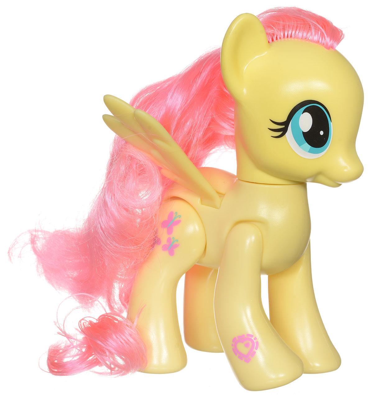 My Little Pony Фигурка функциональная FluttershyB3601EU4_B7294Функциональная фигурка My Little Pony Fluttershy надолго увлечет вашу малышку! Она изготовлена из качественных и безопасных для детского здоровья материалов в виде пони Fluttershy. У пони красивая густая грива и хвост, которые можно расчесывать. Малышка сможет придумать различные прически для милашки пони. Если подвигать правую переднюю ножку пони, то фигурка начнет шевелить головой и махать крылышками. Сделайте вашей малышке такой замечательный подарок!