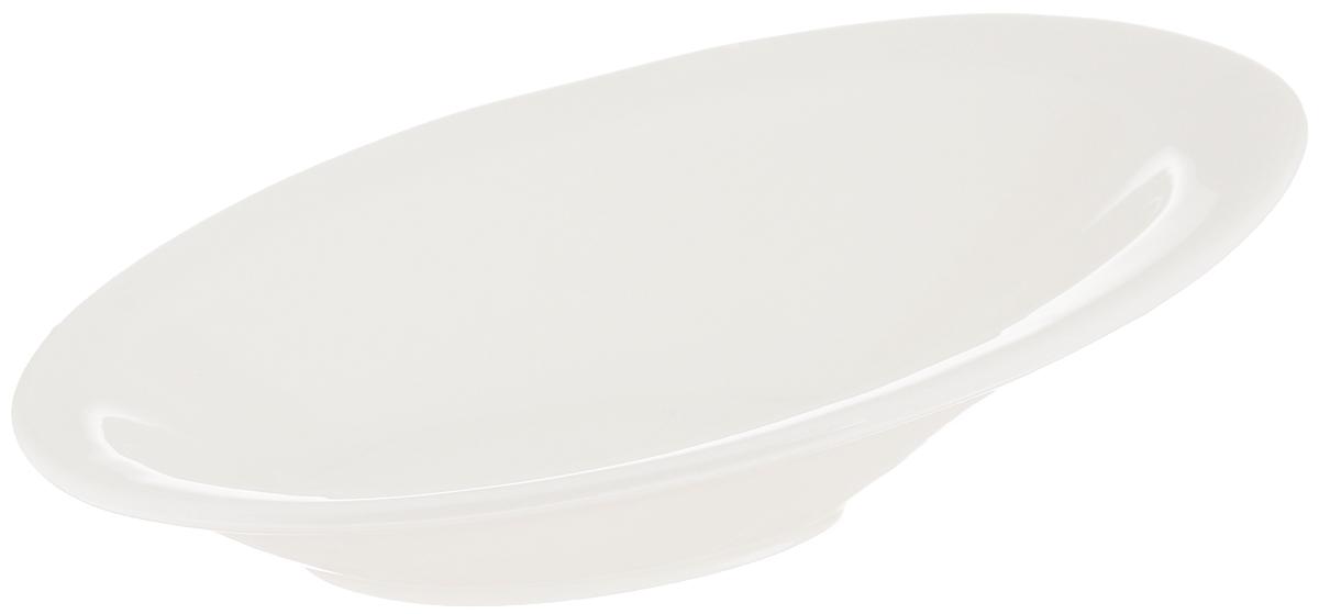 Салатник Wilmax, 21 х 14,5 смWL-992656 / AСалатник Wilmax овальной формы, изготовленный из высококачественного фарфора с глазурованным покрытием, прекрасно подойдет для подачи различных блюд, например, закусок, нарезок, салатов, сладостей или фруктов. Такой салатник украсит ваш праздничный или обеденный стол, а оригинальный дизайн придется по вкусу и ценителям классики, и тем, кто предпочитает утонченность и изысканность. Можно мыть в посудомоечной машине и использовать в микроволновой печи.