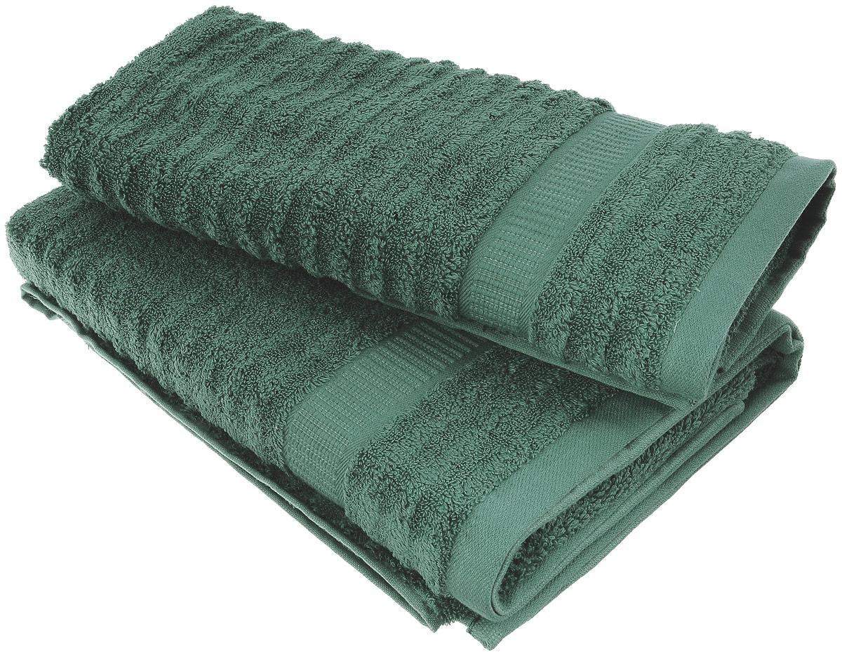 Набор хлопковых полотенец Home Textile, цвет: темно-зеленый, 2 штLX-OZ19Набор Home Textile состоит из двух полотенец разного размера, выполненных из качественной натуральной махры (100% хлопок). Полотенца имеют ворс различной длины, что создает рельефную текстуру, и классический бордюр. Мягкие и уютные, они прекрасно впитывают влагу и легко стираются. Кроме того, хлопковые полотенца отличаются высокой износоустойчивостью и долгим сроком службы. Такой набор полотенец подарит массу положительных эмоций и приятных ощущений.