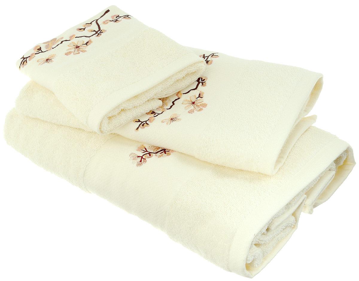 Набор хлопковых полотенец Home Textile, цвет: светло-желтый, коричневый, бежевый, 3 штLX-OZ03Набор Home Textile состоит из трех полотенец разного размера, выполненных из качественной натуральной махры (100% хлопок). Изделия украшены изящной вышивкой. Полотенца имеют ворс различной длины, что создает рельефную текстуру, и классический бордюр. Мягкие и уютные, они прекрасно впитывают влагу и легко стираются. Кроме того, хлопковые полотенца отличаются высокой износоустойчивостью и долгим сроком службы. Такой набор полотенец подарит массу положительных эмоций и приятных ощущений.