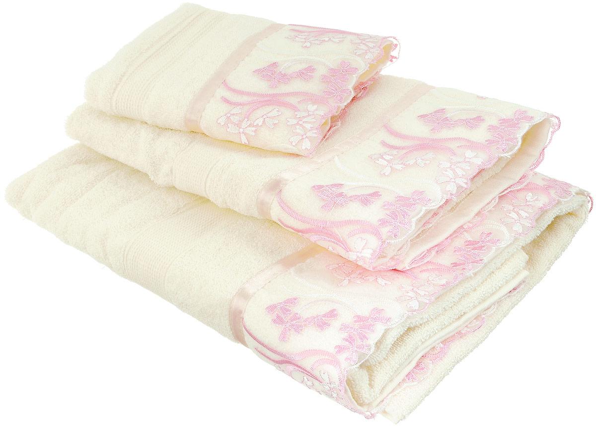 Набор хлопковых полотенец Home Textile Нежность, цвет: кремовый, розовый, 3 штLX-OZ01Набор Home Textile Нежность состоит из трех полотенец разного размера, выполненных из качественной натуральной махры (100% хлопок). Полотенца имеют ворс различной длины, что создает рельефную текстуру, и классический бордюр. Мягкие и уютные, они прекрасно впитывают влагу и легко стираются. Кроме того, хлопковые полотенца отличаются высокой износоустойчивостью и долгим сроком службы. Такой набор полотенец подарит массу положительных эмоций и приятных ощущений.