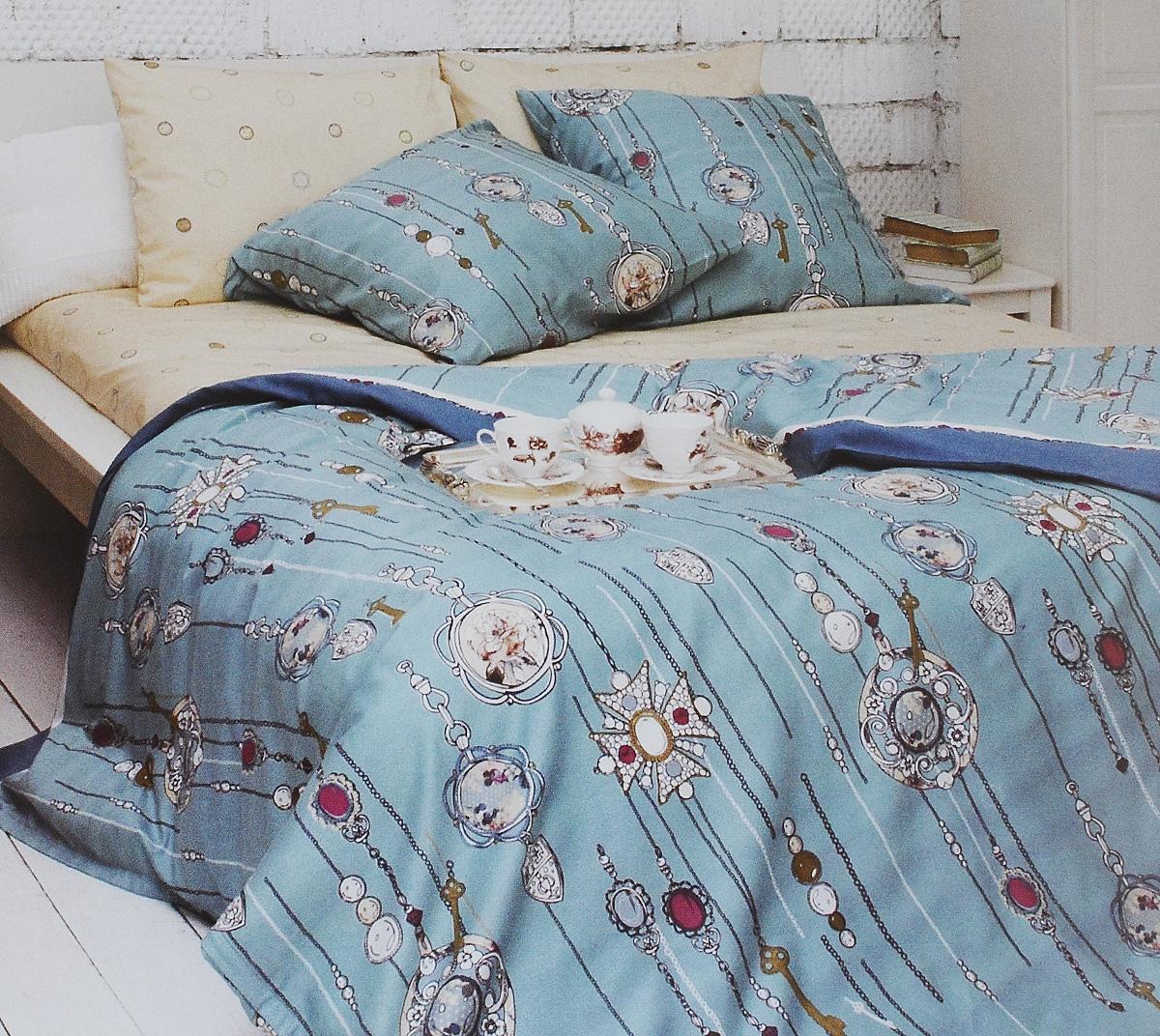 Комплект белья Tiffanys Secret, 1,5-спальный, наволочки 50х70, цвет: бирюзовый, белый, бежевый2040815157Комплект постельного белья Tiffanys Secret является экологически безопасным для всей семьи, так как выполнен из сатина (100% хлопок). Комплект состоит из пододеяльника, простыни и двух наволочек. Предметы комплекта оформлены оригинальным рисунком. Благодаря такому комплекту постельного белья вы сможете создать атмосферу уюта и комфорта в вашей спальне. Сатин - это ткань, навсегда покорившая сердца человечества. Ценившие роскошь персы называли ее атлас, а искушенные в прекрасном французы - сатин. Секрет высококачественного сатина в безупречности всего технологического процесса. Эту благородную ткань делают только из отборной натуральной пряжи, которую получают из самого лучшего тонковолокнистого хлопка. Благодаря использованию самой тонкой хлопковой нити получается необычайно мягкое и нежное полотно. Сатиновое постельное белье превращает жаркие летние ночи в прохладные и освежающие, а холодные зимние - в теплые и согревающие. Сатин очень...