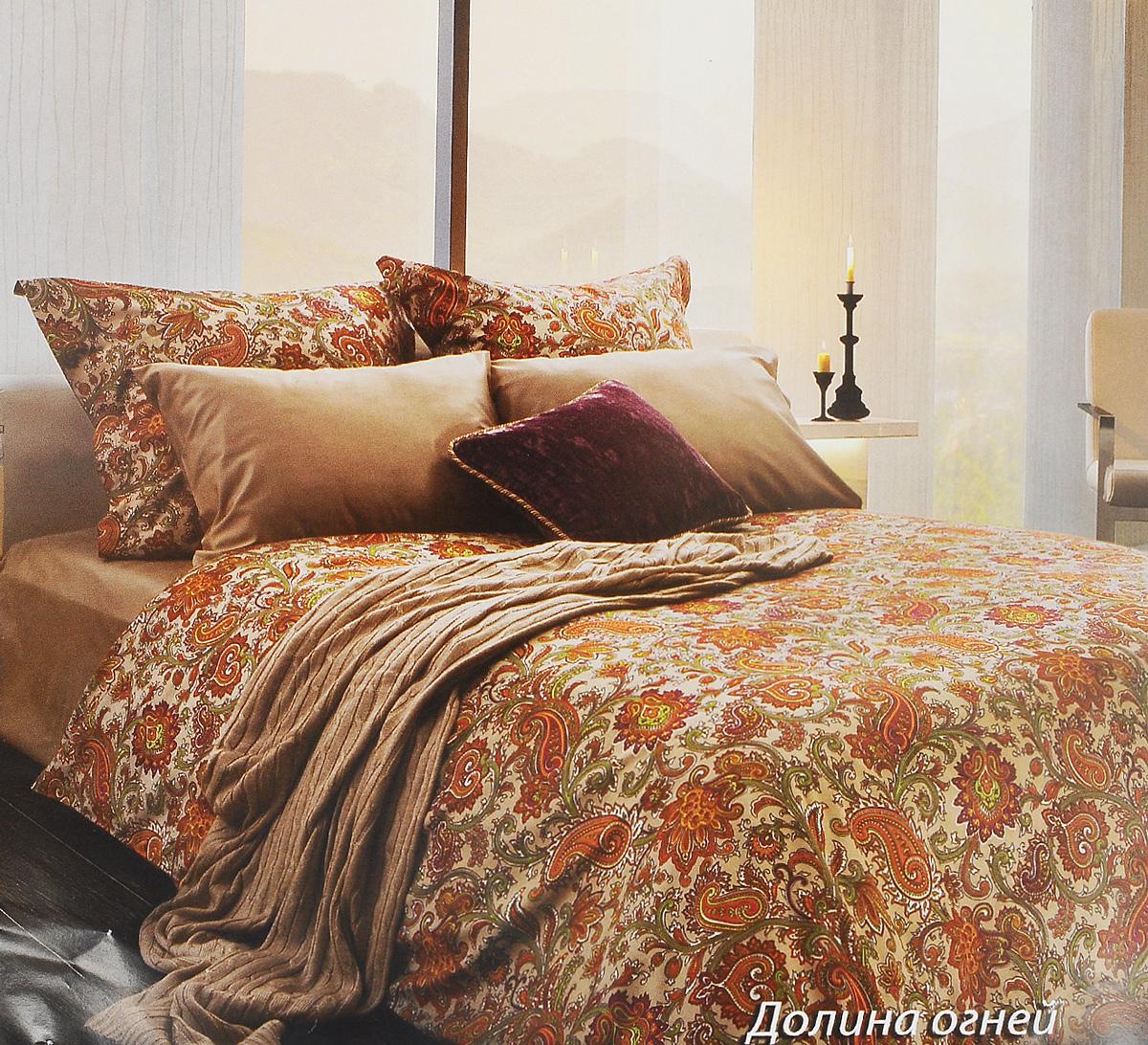 Комплект белья Tiffanys Secret Долина огней, евро, наволочки 70х70, цвет: бежевый, оранжевый, белый2040816134Комплект постельного белья Tiffanys Secret Долина огней является экологически безопасным для всей семьи, так как выполнен из сатина (100% хлопок). Комплект состоит из пододеяльника, простыни и двух наволочек. Предметы комплекта оформлены оригинальным рисунком. Благодаря такому комплекту постельного белья вы сможете создать атмосферу уюта и комфорта в вашей спальне. Сатин - это ткань, навсегда покорившая сердца человечества. Ценившие роскошь персы называли ее атлас, а искушенные в прекрасном французы - сатин. Секрет высококачественного сатина в безупречности всего технологического процесса. Эту благородную ткань делают только из отборной натуральной пряжи, которую получают из самого лучшего тонковолокнистого хлопка. Благодаря использованию самой тонкой хлопковой нити получается необычайно мягкое и нежное полотно. Сатиновое постельное белье превращает жаркие летние ночи в прохладные и освежающие, а холодные зимние - в теплые и согревающие. ...