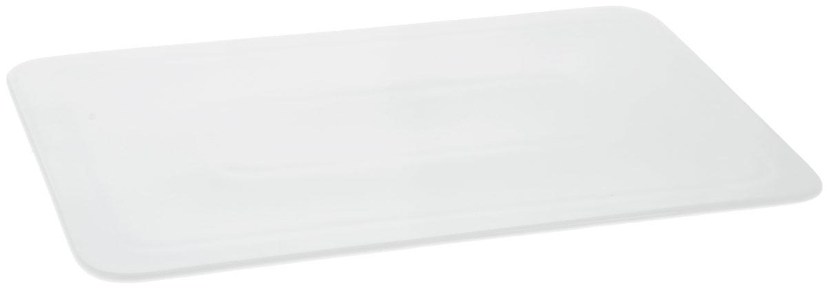 Блюдо Wilmax, прямоугольное, 30 х 19 смWL-992636 / AБлюдо Wilmax прямоугольной формы изготовлено из высококачественного фарфора с глазурованным покрытием. Материал легкий, тонкий, свет без труда проникает сквозь изделие. Посуда имеет роскошную белизну, гладкость и блеск достигаются за счет особой рецептуры глазури. Изделие обладает низкой водопоглощаемостью, высокой термостойкостью и ударопрочностью, а также экологичностью. Посуда долговечна и рассчитана на постоянное интенсивное использование. Гладкая непористая поверхность исключает проникновение бактерий, изделие не будет впитывать посторонние запахи и сохранит первоначальный цвет. Блюдо плоское, оно прекрасно подойдет для подачи различных блюд, например, закусок, нарезок, сладостей. Такое блюдо украсит ваш праздничный или обеденный стол, а оригинальный дизайн придется по вкусу и ценителям классики, и тем, кто предпочитает утонченность и изысканность. Можно мыть в посудомоечной машине и использовать в микроволновой печи.