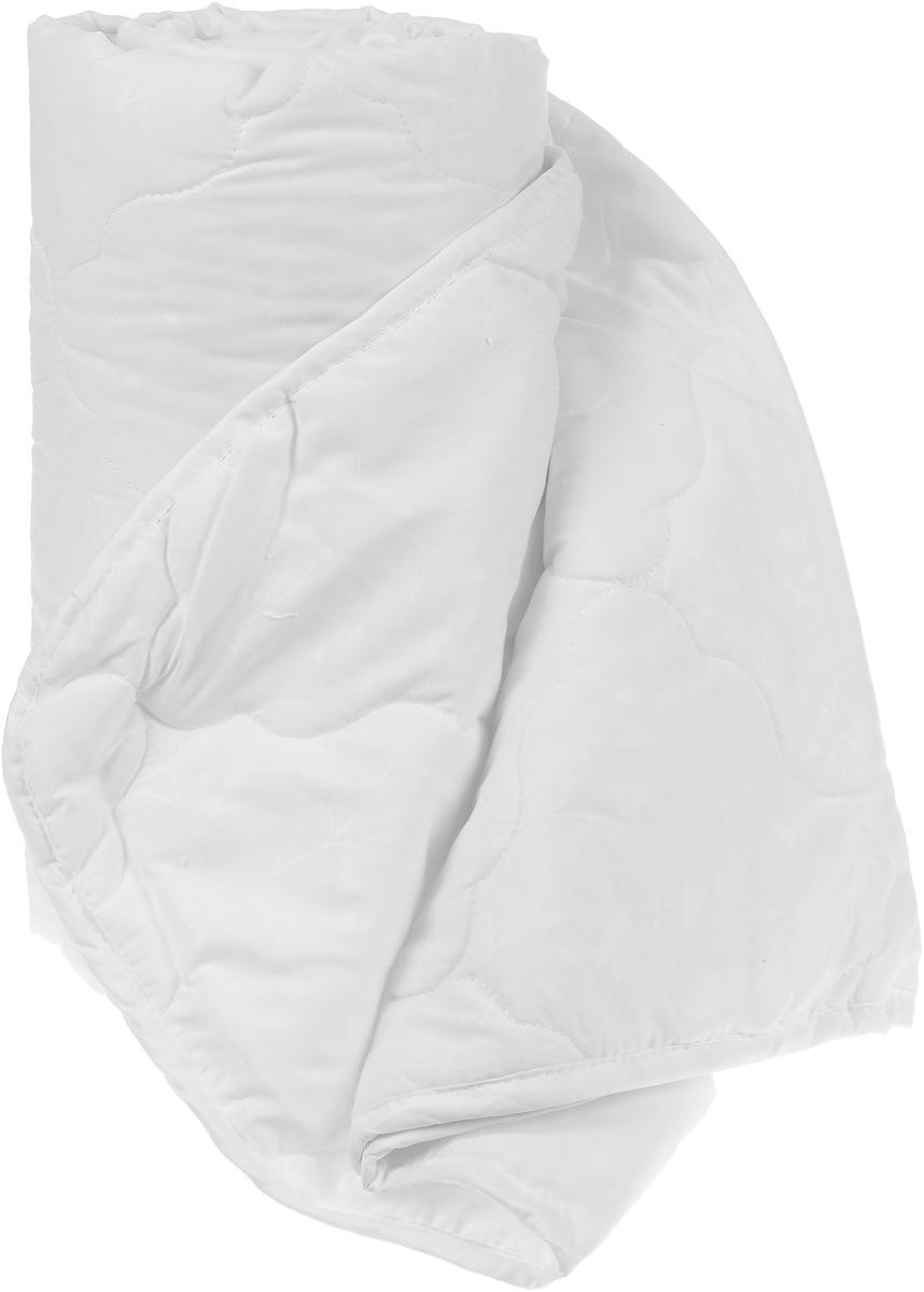 Одеяло Sova & Javoronok, облегченное, наполнитель: бамбук, цвет: белый, 200 х 220 см5030116733Одеяло Sova & Javoronok Бамбук подарит комфорт и уют во время сна. Чехол, выполненный из микрофибры (100% полиэстера), оформлен стежкой и надежно удерживает наполнитель внутри. Волокно на основе бамбука - инновационный наполнитель, обладающий за счет своей пористой структуры хорошей воздухонепроницаемостью и высокой гигроскопичностью, обеспечивает оптимальный уровень влажности во время сна и создает чувство прохлады в жаркие дни. Антибактериальный эффект наполнителя достигается за счет содержания в нем специального компонента, а также за счет поглощения влаги, что создает сухой микроклимат, препятствующий росту бактерий. Основные свойства волокна: - хорошая терморегуляция, - свободная циркуляция воздуха, - антибактериальные свойства, - повышенная гигроскопичность, - мягкость и легкость, - удобство в эксплуатации и легкость стирки. Рекомендации по уходу: - Стирка запрещена. - Не отбеливать, не...
