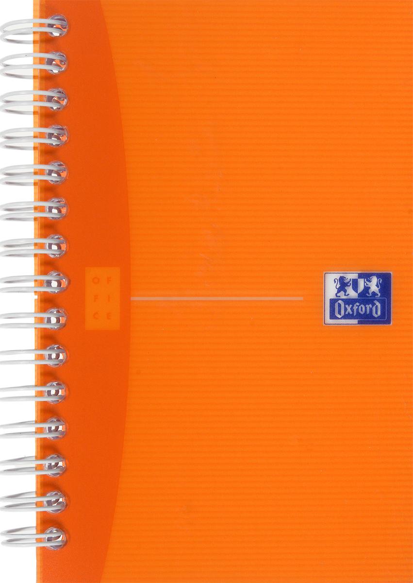 Oxford Тетрадь My Colours 90 листов в клетку цвет оранжевый817833_оранжевыйСтильная практичная тетрадь Oxford My Colours отлично подойдет для офиса и учебы. Тетрадь формата 90х140 мм состоит из 90 белых листов с четкой яркой линовкой в клетку. Обложка тетради выполнена из плотного полупрозрачного полипропилена. Двойная спираль надежно удерживает листы. Также тетрадь имеет скругленные углы.
