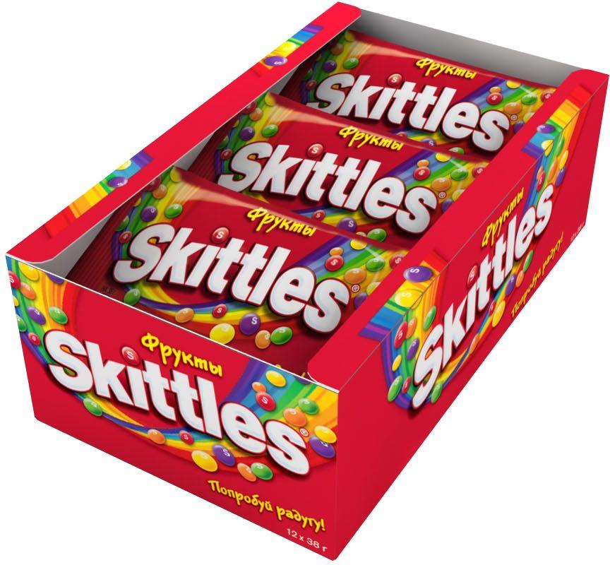 Жевательные конфеты Skittles c разноцветной глазурью предлагают радугу фруктовых вкусов в каждой упаковке! Конфеты с ароматами лимона, лайма, апельсина, клубники и черной смородины: заразись радугой, попробуй радугу!