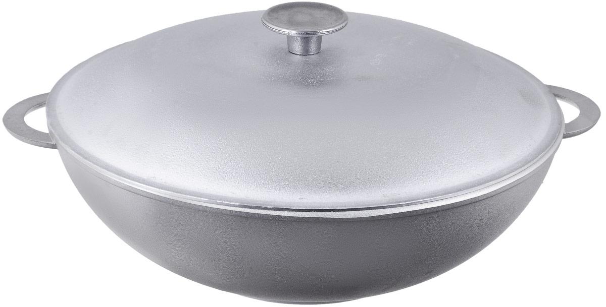 Сковорода-вок Биол с крышкой. Диаметр 30 см3003КСковорода-вок Биол изготовлена из литого алюминия - 100% экологичного материала. Посуда равномерно распределяет тепло и обладает высокой устойчивостью к деформации, легкая и практичная в эксплуатации. Изделие снабжено двумя алюминиевыми ручками и крышкой. За счет оригинальной формы вока продукты готовятся быстрее, чем в обычной сковороде, так как кусочки пищи сбиваются к центру, где сконцентрирован весь жар. Подходит для использования на электрических, газовых и стеклокерамических плитах. Не подходит для индукционных плит. Можно мыть в посудомоечной машине. Внутренний диаметр (по верхнему краю): 30 см. Высота стенки: 10 см. Ширина сковороды (с учетом ручек): 36 см.