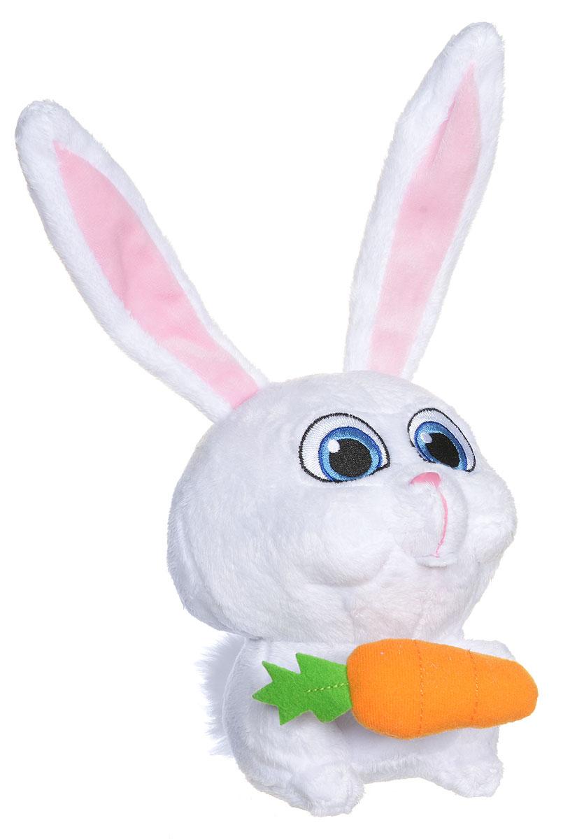 Secret Life of Pets Мягкая игрушка Кролик Снежок 15 см72804_0002_КроликМягкая игрушка Secret Life of Pets Кролик Снежок - отличный подарок для каждого поклонника мультфильма Тайная жизнь домашних животных. Этот добрый и уморительно смешной мультфильм повествует о жизни обычных манхэттенских питомцев, которые вдруг узнают о том, что брошенные животные готовят нападение на них. Несмотря на свой ангельский внешний вид, этот забавный ушастик может становиться абсолютно несносным, стоит только кому-нибудь из его друзей попасть в беду! Мягкая игрушка отличается большим сходством со своим мультипликационным прототипом. Игрушка изготовлена из качественного и безопасного материала.