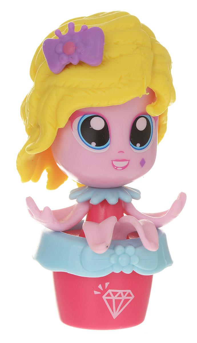 Daisy Мини-кукла Цветочек Даффи29513_розовый/красныйМини-куклы Daisy Цветочки - это разноцветные разборные игрушки, которые могут меняться между собой прическами, цветочными шляпками и аксессуарами. Можно выбрать комплект кукол с аксессуарами, со сказочным питомцем, или даже c домом-лейкой и мини-мебелью (каждый продается отдельно). Куколки-цветочки можно наряжать, меняя их образы, брать с собой в дорогу или в гости! Соберите коллекцию и подружите куколок между собой! Мини-кукла Daisy Цветочек Даффи ароматизированная.
