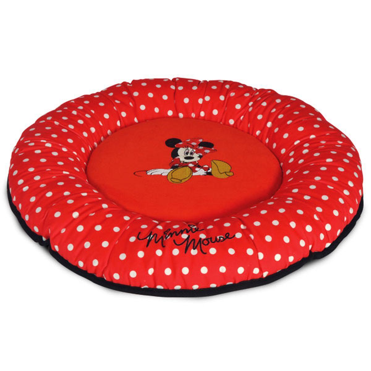 Лежанка Triol Disney Minnie-2, 50 х 50 х 7 смWD3010Лежанка из мягкого велюра с изображением известного персонажа DISNEY Minnie. Яркая и нарядная, модная во все времена ткань в горошек. Дно выполнено из водонепроницаемой ткани черного цвета. Этот тип лежанок рекомендуется собачкам и кошкам, которые любят спать или валяться, вытянув лапы, - она не имеет высокого бортика, стесняющего свободу движения питомца. Лежанка поставляется в полипропиленовом пакете на молнии с веревочными ручками, который в дальнейшем удобно использовать для хранения. Компактная складная лежанка с покрытием из мягкого велюра с изображением известного персонажа DISNEY. Дно выполнено из водонепроницаемой ткани.