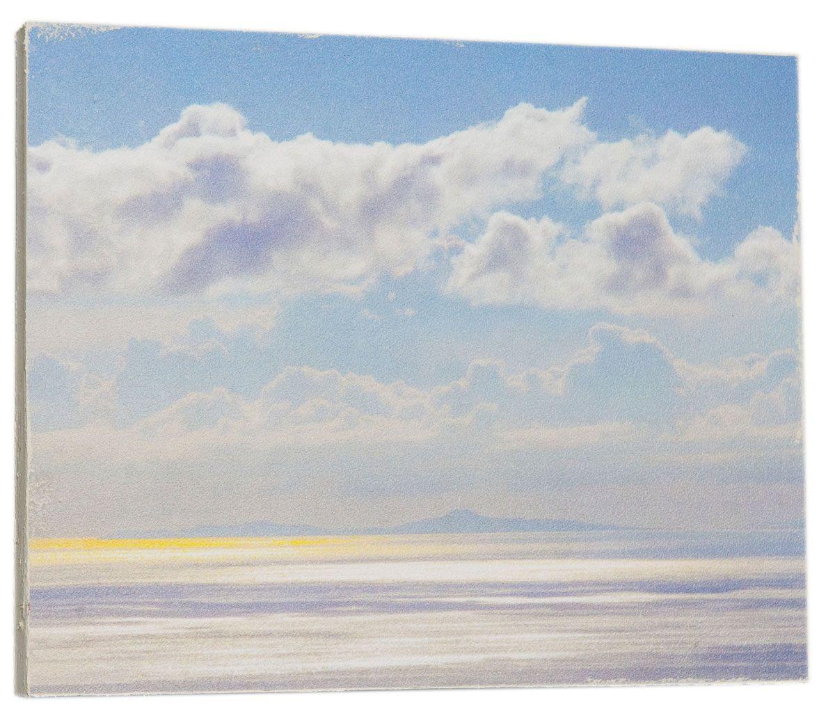 Картина Mister Poster Красивое небо, 32 х 24 см0307-24-32Картина Mister Poster - это высококачественная репродукция на деревянной раме. Лицевая поверхность имитирует штукатурку или натуральный холст, края окрашены вручную специальным декоративным составом. Современные технологии, уникальное оборудование и оригинальные чернила, используемые при изготовлении, делают постер устойчивым к выцветанию, а также гарантируют стойкость к воздействию негативных внешних факторов. Интерьер дома и офиса, в котором находится человек, в значительной степени влияет на его настроение и работоспособность. Правильное оформление интерьера создает благоприятный психологический климат, улучшает настроение и мотивирует. Добавьте «красок» в ваш интерьер и, возможно, в вашу жизнь.