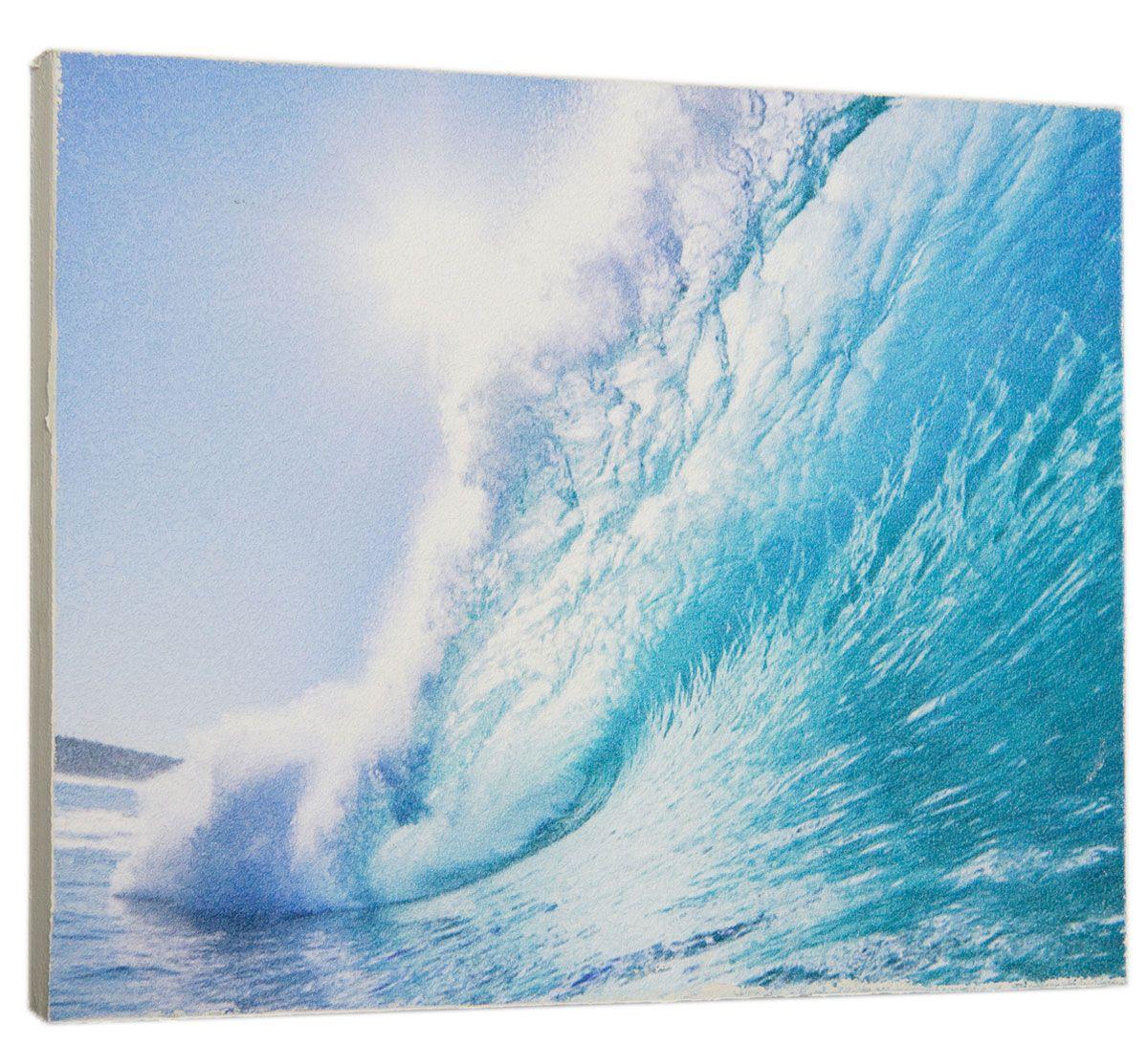 Картина Mister Poster Лазурная волна, 32 х 24 см0308-24-32Картина Mister Poster - это высококачественная репродукция на деревянной раме. Лицевая поверхность имитирует штукатурку или натуральный холст, края окрашены вручную специальным декоративным составом. Современные технологии, уникальное оборудование и оригинальные чернила, используемые при изготовлении, делают постер устойчивым к выцветанию, а также гарантируют стойкость к воздействию негативных внешних факторов. Интерьер дома и офиса, в котором находится человек, в значительной степени влияет на его настроение и работоспособность. Правильное оформление интерьера создает благоприятный психологический климат, улучшает настроение и мотивирует. Добавьте «красок» в ваш интерьер и, возможно, в вашу жизнь.
